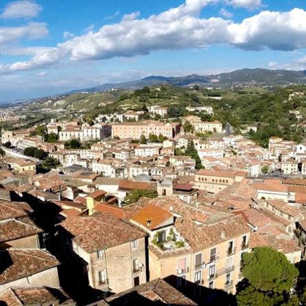 (Ita) Agosto a Cosenza: ecco l'elenco dei bar, pizzerie e ristoranti aperti