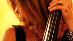 Le Colline del Jazz: si chiude il 21 agosto con il concerto dell'eclettica bassista e contrabbassista Antonella Mazza