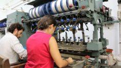 Al lavoro sulla filanda silk reeling machne