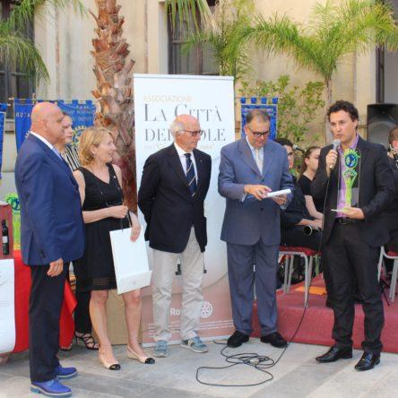 """Luigi Ferraro, """"ambasciatore della buona Calabria a tavola nel mondo"""", riceve un nuovo importante premio"""