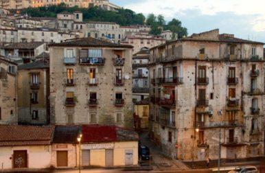 Expedia al centro storico di Cosenza, al Duomo e alla Chiesa di San Francesco d'Assisi