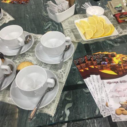 """La degustazione di un thè, l'esperienza dell'arte. Quella di Officina delle Arti è """"La Magia del Thè…atro. Alle cinque di domenica"""""""