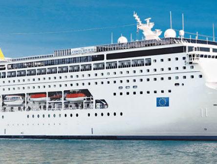 Sabato 24 marzo in arrivo al porto di Reggio Calabria la Costa Neo Riviera