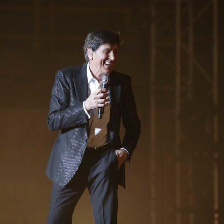 Grande successo per Gianni Morandi a Reggio Calabria. Il 19 luglio il secondo concerto alla Summer Arena di Soverato