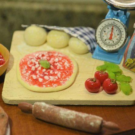 (Ita) Torte, pizze e biscotti in miniatura: benvenuti nel mondo di Candy!