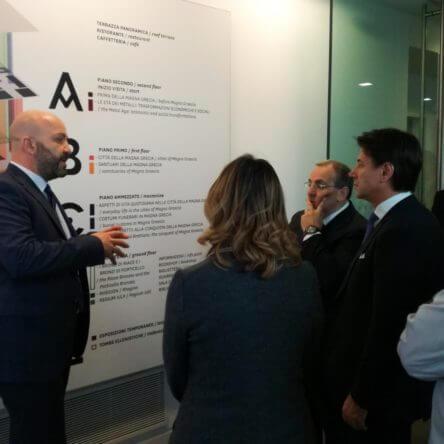 Compiacimento e stupore nella visita lampo del Governo al MArRC