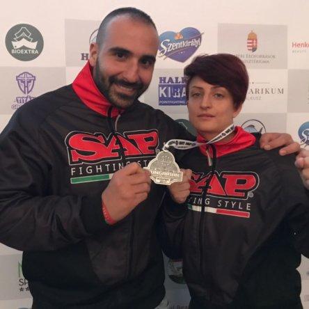 La cosentina Romina Cozzolino, campionessa nazionale di kickboxing, si prepara alla sfida del Mondiale