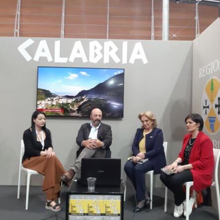 Fare Cineturismo in Calabria con la Guida della Cineteca al Salone Internazionale del Libro di Torino